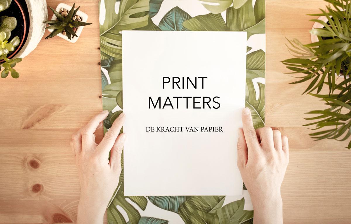 Salesgesprek richting en sturing geven met behulp van een gedrukte flyers / hand-out